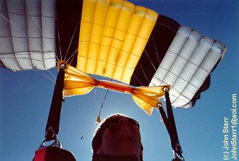 Sabre2.jpg (27766 bytes) & About modern parachute designs
